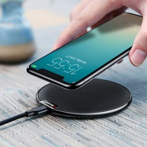 Baseus Qi Wireless Charger Pad For iPhone X XS Max XR 10W Fast Charger Wireless Charging for Samsung S10 S9 Note 10 9 For Xiaomi