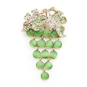 Wuli&baby Green Opal Grape Brooches Women Alloy Rhinestone Fruits Weddings Banquet Brooch Pins New Year Gifts
